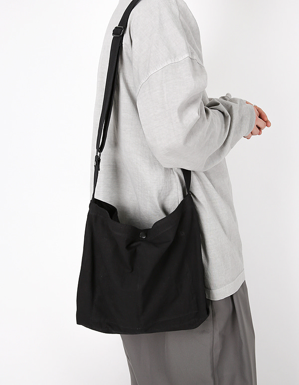 No.7920 simple snap cross BAG
