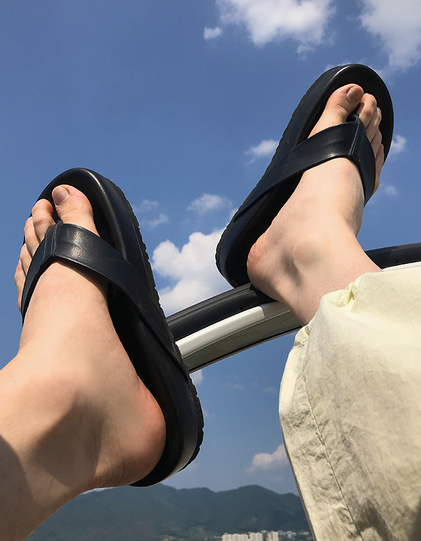 No.8085 leather heavy flip-flop